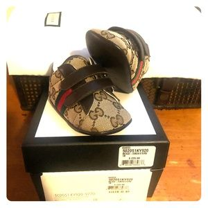 Infant Gucci sneakers